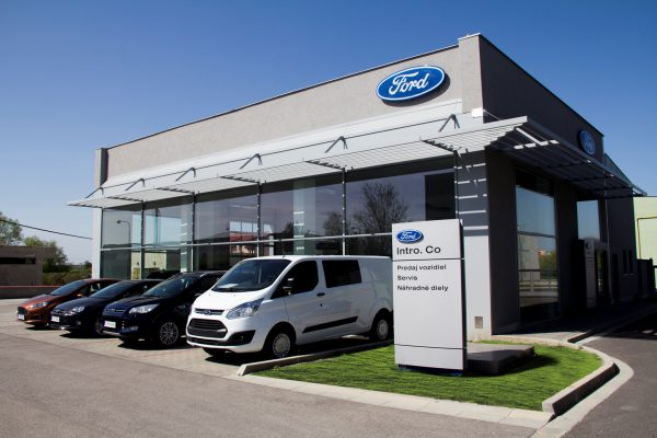 Showroom Ford